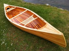 Building a cedar strip canoe can be a lot of fun with the help of this video and a few basic tools, the project will soon become reality. Canoe Trip, Canoe And Kayak, Canoe Cart, Kayak Paddle, Canoa Kayak, Canoe Seats, Wood Canoe, Wood Boats, Plywood Boat