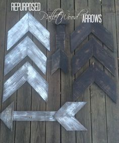 Digged out a cool DIY from Designed Decor , where DeDe made some wonderful wooden arrows, perfect for your Fall Decor 2015 ! Check it out ! #diy #pallets #falldecor #fall2015 #repurposed