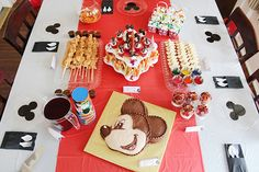 Southern Mom Loves: Show Your #DisneySide with a Fun Mickey Party! {Tips, Tricks, and a Mickey Silhouette Plate Tutorial}