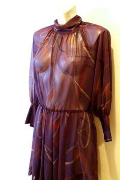 Vintage navy blue semi transparent dress. Size por Torreillinoise