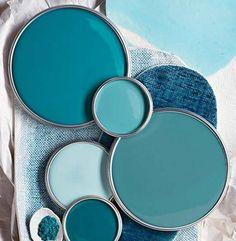 Bleu canard avec quelle couleur pour un intérieur déco? #taupe #bleupétrole #bleupaon #canapé #associer #mur