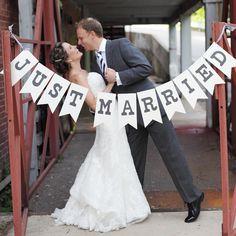 Résultats Google Recherche d'images correspondant à http://media.paperblog.fr/i/468/4689789/accessoires-photos-mariage-originales-L-1m_1oz.png