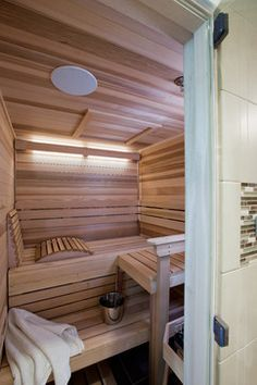 the chair means the sauna doesn't have to be big enough to lay down from Houzz