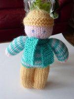 Au mois de décembre dernier j'ai rapporté de ma visite à la petite mercerie d'emmaus ( banlieue parisienne) 2 poupées en tricot que j'ai trouvé très mignonnes et surtout faciles, très faciles à tricoter. J'en ai profité pour demander à Jeanine (une adhérente...