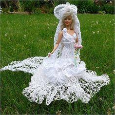 Barbie Bridal, Barbie Wedding Dress, Wedding Doll, Barbie Dress, Wedding Dresses, Barbie Doll, Habit Barbie, Pretty White Dresses, Crochet Barbie Clothes