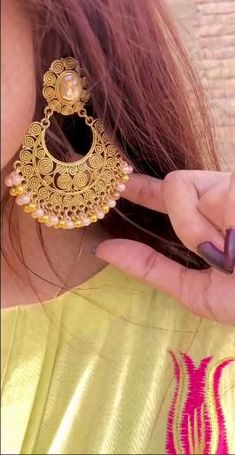 Cute Couple Songs, Cute Songs, Pakistani Fancy Dresses, Dps For Girls, Girl Hand Pic, Girl Hiding Face, Cute Love Images, Wedding Dresses For Girls, Stylish Girls Photos