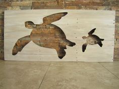 Distressed pallet wooden sea turtle silhouette by bbsignsdesigns. Wooden Pallet Crafts, Wooden Pallet Projects, Pallet Art, Wooden Pallets, Wood Crafts, Pallet Wood, 1001 Pallets, Bar Outdoor, Turtle Silhouette