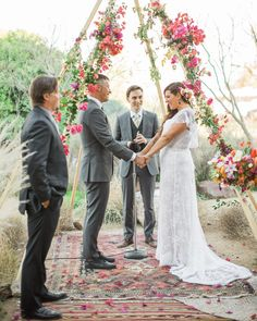 """The+bride+and+groom+worked+closely+with+their+officiant+(Chad's+brother+Patrick)+to+write+a+ceremony+with+personality+and+warmth.+The+twosome+wrote+their+own+vows,+keeping+them+secret+until+it+was+time+to+recite+them+at+the+service.+""""I+was+so+excited+to+read+Chad+mine+and+will+never+forget+the+feeling+in+my+heart+when+he+read+me+his,""""+Lara+recalls."""