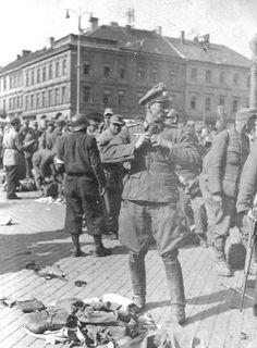 Němečtí vojáci odevzdávají v květnu výzbroj. Ww2, Third, Germany, History