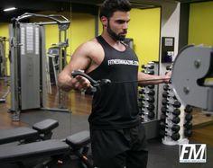 Exercício: Remada Supinada no Cross over. Grupos musculares: Costas, Antebraço…