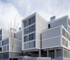 Social Housing in Valleca´s Eco-boulevard / Olalquiaga Arquitectos