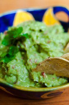 Authentic Mexican Guacamole Recipe – Just Like A Mexican Grandma Would Make via @grantourismo
