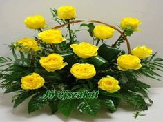 Beautiful Set of roses. Yellow Flowers, Spring Flowers, Planets Wallpaper, Good Morning Flowers, Flower Making, Floral Arrangements, Flower Arrangement, Flower Power, Beautiful Flowers