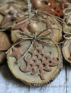 Google Image Result for http://www.craftideas.info/assets/images/Natural_Ornaments_Crafted_From_Wooden_Branch_Slices_4.jpg