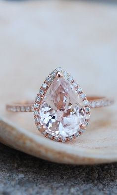 ENGAGEMENT RING PEACH CHAMPAGNE SAPPHIRE IN ROSE GOLD #diamondengagementring