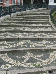 Portuguese pavement, this time applied to stairs Beautiful Streets, Beautiful Places, Saint Marin, Visit Portugal, Portugal Tourism, Portuguese Culture, Pebble Mosaic, Voyage Europe, Glass Wall Art