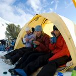 Tips for Camping in the Cold - Tri City RV - Buscraft Camping Cold Weather Camping, Winter Camping, Camping And Hiking, Family Camping, Outdoor Camping, Camping Gear, Outdoor Gear, Backpacking Meals, Camping Hammock