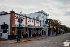 sloppy joes key west Key West Resorts, Key West Vacations, Florida Travel, Florida Keys, West Road, Downtown Miami, South Beach, Beach Resorts, Road Trip