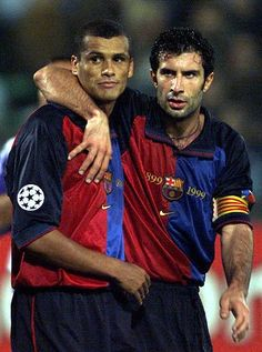 Rivaldo and Figo. Barcelona FC - Spain (Two magicians). Football Drills, Best Football Players, Good Soccer Players, World Football, Soccer World, Play Soccer, Football Soccer, Soccer Art, Lionel Messi