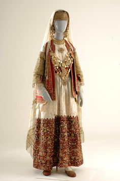 Of the various forms of Greek folk and popular arts, the category of attire… Greek Traditional Dress, Traditional Fashion, Traditional Outfits, Folk Clothing, Greek Clothing, Ethno Style, Period Outfit, Ethnic Dress, Folk Costume