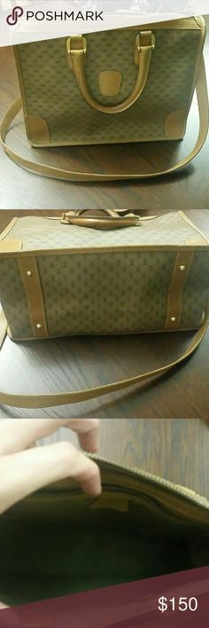 Gucci bag Can be worn crossbody or shoulder..authentic. .. 10 and a half by 13 Gucci Bags