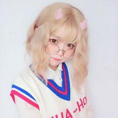 Fluffy spray roll short wig YV40346 Pretty Korean Girls, Cute Korean Girl, Beautiful Asian Girls, Pastel Goth Fashion, Kawaii Fashion, I Love Girls, Cute Girls, Ulzzang Short Hair, Cute Kawaii Girl