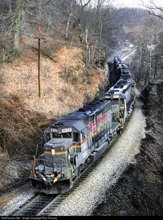 RailPictures.Net Photo: SBD 8132 Seaboard System EMD SD40-2 at East Stone Gap, Virginia by Ron Flanary