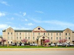 Goodlettsville (TN) Comfort Suites Goodlettsville Hotel United States, North America Ideally located in the prime touristic area of Goodlettsville, Comfort Suites Goodlettsville Hotel promises a relaxing and wonderful visit. Both business travelers and tourists can enjoy the hotel's facilities and services. To be found at the hotel are elevator, safety deposit boxes, car park, facilities for disabled guests, business center. Each guestroom is elegantly furnished and equipped w...