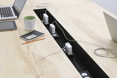 Desk That's Perfect for Coworking by Miguel de la Garza - Design Milk