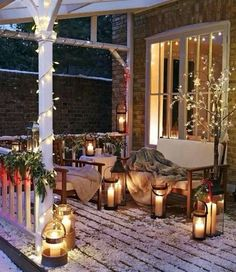 Beautiful Christmas Porch Decorating Ideas & Designs For 2019 Best Outdoor Christmas Decorations, Christmas Porch, Christmas Lights, Holiday Decor, Holiday Mood, Rustic Christmas, Primitive Christmas, Holiday Time, Christmas Snowman