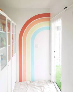 modern rainbow mural decor via Stefanie Bales . At Wee Gather in San Diego. // Rainbow mural kids room nursery decor wall art home custom painting interior design colorful painting room decor Kids Room Murals, Kids Room Paint, Kids Room Wall Art, Wall Art Decor, Room Decor, Kids Rooms, Playroom Mural, Wall Murals Bedroom, Murals For Kids