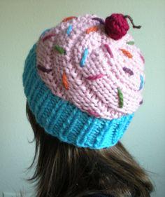 Cupcake Hat crochet (looks like knitting, to me) Loom Knitting Projects, Loom Knitting Patterns, Crochet Projects, Sewing Projects, Crochet Patterns, Knitting Tutorials, Free Knitting, Baby Knitting, Stitch Patterns