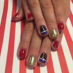 Marine Corps Nägel - only nails Usmc Nails, Military Nails, Marine Nails, Gel Nail Designs, Cute Nail Designs, Burgendy Nails, Graduation Nails, Stick On Nails, Pearl Nails