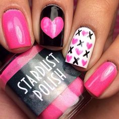 Romantic Valentine Nail Art Designs & Ideas for Valentine's Day contains the best & cute nail art patterns to spice up the romantic event spreading the love Get Nails, Fancy Nails, Love Nails, Pink Nails, Pretty Nails, Nail Art Designs, Nails Design, Art Romantique, Romantic Nails