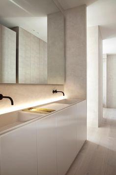 Fotograf:                       Rafael Diéguez Minimalist Architecture, Minimalist Interior, Minimalist Bathroom Design, Bad Inspiration, Bathroom Inspiration, Target Home Decor, Cheap Home Decor, Casa Kardashian, Bathroom Interior Design