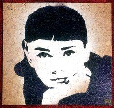 Tribute to Audrey Hepburn -  Sabrina -  30x30cm -  Soggetto realizzato con stencil fatto a mano, colori acrilici spray, strass di resina su sughero. -  Subject made with handmade stencil with spray acrylic colours, resin strass on cork. -  Per informazioni e prezzi: manualedelrisveglio@gmail.com
