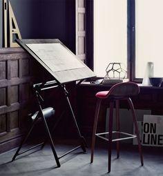 Gorgeous work table.