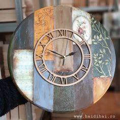 Ceas din MDF decorat cu tehnici multiple.  Sablon cu pastă de structură și cu pensulă, lac de crăpare mobocomponent și patina - pastă distress. 3 ore de muncă.  ________________ www.haidihai.ro . . . #diyclock #woodcraft #ceas #ceasuri #decor #ateliercreatie #haidihai #monocomponent #pastastructura #șablondecorativ #sablondecorativ #stencils #ceasdeperete #decoupage #artcraftmaterials #artcraftlove #ricepaper Diy Decoupage Tutorial, Clock, Wall, Home Decor, Watch, Decoration Home, Room Decor, Clocks, Walls