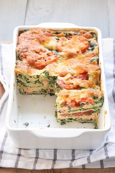 Salmon spinach lasagna – Fresh and creamy! I Love Food, Good Food, Yummy Food, Healthy Snacks, Healthy Recipes, I Foods, Food Inspiration, Italian Recipes, Food To Make