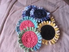 Fantastic No Cost loom knitting coasters Thoughts Sunflower Coasters: Loom Knit… - Herzlich willkommen Round Loom Knitting, Loom Knitting Projects, Loom Knitting Patterns, Yarn Projects, Easy Knitting, Crochet Projects, Crochet Ideas, Knitting Looms, Spool Knitting