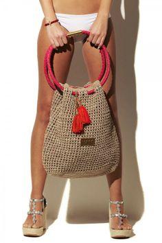 Crochet purses and handbags or authentic crochet handbags on sale then visit internet site above simply press the grey link for more details ladiesdesignerbagsdesignerhandbag bestcrochethandbag – Artofit Tejidos - Knitted - Hobo Beach Bag in Nude Such a Crochet Tote, Crochet Handbags, Crochet Purses, Net Bag, Jute Bags, Boho Bags, Basket Bag, Knitted Bags, Handmade Bags
