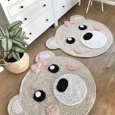 "Items similar to bear rug beige / pink ""bear girl"" nursery rug crocheted on Etsy A beautiful crochet carpet that is an eye-catcher in every room, especially in a children& / Crochet Carpet, Crochet Home, Nursery Rugs, Room Rugs, Animal Rug, Bear Rug, Bear Girl, Baby Mobile, Crochet Animals"
