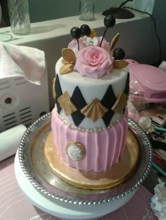 Classy cake pink gold and black