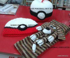 Gorro, bola, bufanda para exposición y venta en Frikori Art, en La Lonja, Orihuela, el 22-10-16