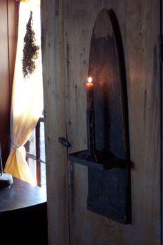 192 best images about DIY Primitive Primitive Lighting, Primitive Candles, Primitive Crafts, Country Primitive, Country Crafts, Country Decor, Vintage Ironing Boards, Primitive Bathrooms, Country Bathrooms