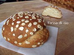Panini al latte con farina di farro e avena. Ricetta senza frumento adatta a intolleranti al grano