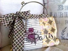 Paris Embroidered Kiss Lock Purse Handmade by ourcreativenest1500 x 1120 | 578.1KB | www.etsy.com