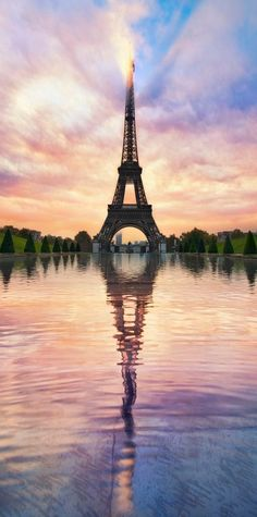 cool Le Tour Eiffel: by Lee Sie - Paris - Eiffel Tower - France - Paris, France - PARIS is always a good IDEA! Paris Photography, Landscape Photography, Nature Photography, Digital Photography, Photography Tricks, Photography Props, Creative Photography, Eiffel Tower Photography, Travel Photography