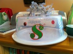 Clippings by Sharondalyn: Personalized cake carriers