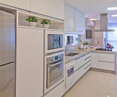 Conheça os diversos modelos de granito branco e suas particularidades, e inspire-se com lindos ambientes decorados com essa linda pedra natural.